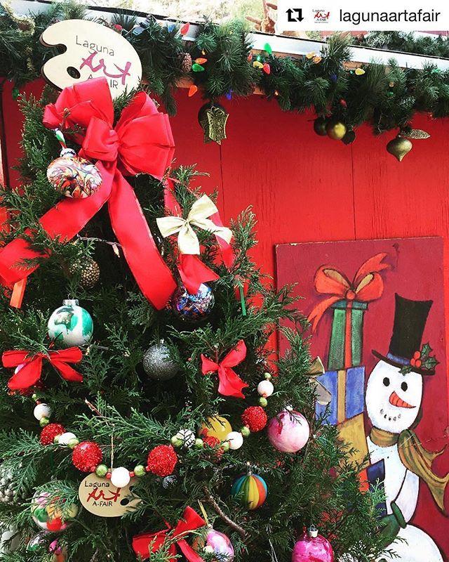 #Repost ・・・ Join @lagunaartafair for Christmas tree lighting ceremony at @sawdustartfestival November 17th at 5:30pm!🎄 . . #lagunaartafair #artafair #artshow #fineart #artist #Christmas #instaart #instaartist #allthingslagunabeach #lagunabeach #sawdustfestival #sawdustwinterfantasy #christmasdecor #christmas #ornaments