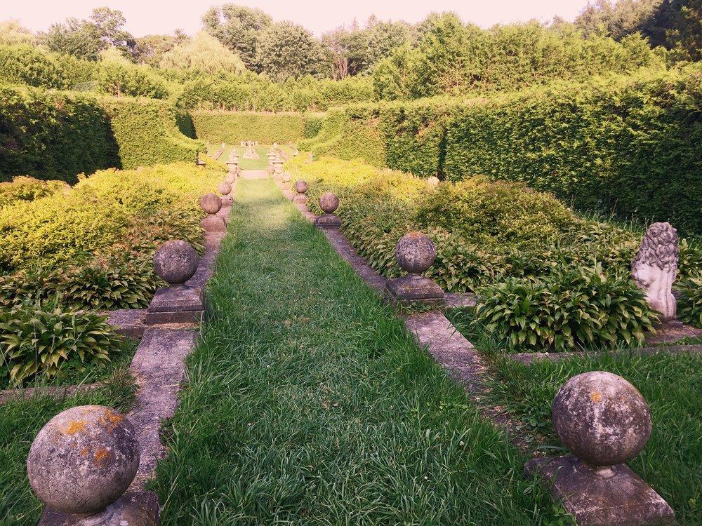 Mansion Gardens