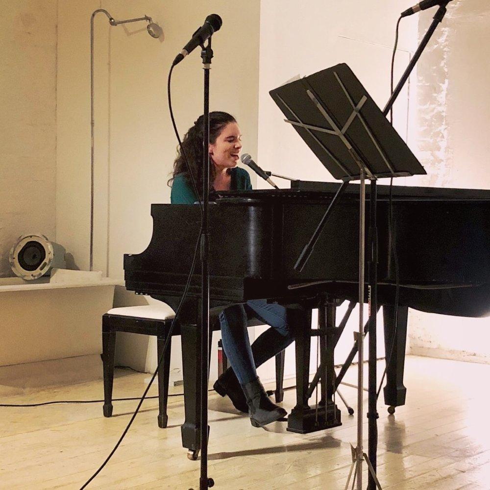 Performing at Mirror Tea House (photo by Linnea Schurig 2018)