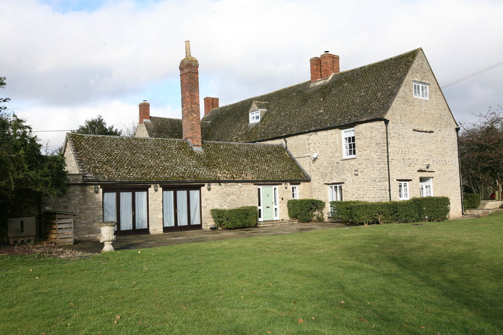 - SPRING YOGA & FITNESS RETREAT18th May - 20th May 20182 night, 2 day RetreatManor Farm, Thrupp, Oxfordshire.Single Occupancy from £425pp (limited availability)Twin Occupancy £355ppTriple occupancy £340 pp