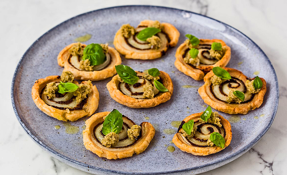This spectacular and surprisingly easy canapé by Great British chef 'Pollyanna Coupland' with wonderful Moorish flavours, will impress your family and friends over the festive season and can be vegan too.  Make some well in advance, and keep a roll in the freezer to pull out and bake in twenty minutes. Perfect!