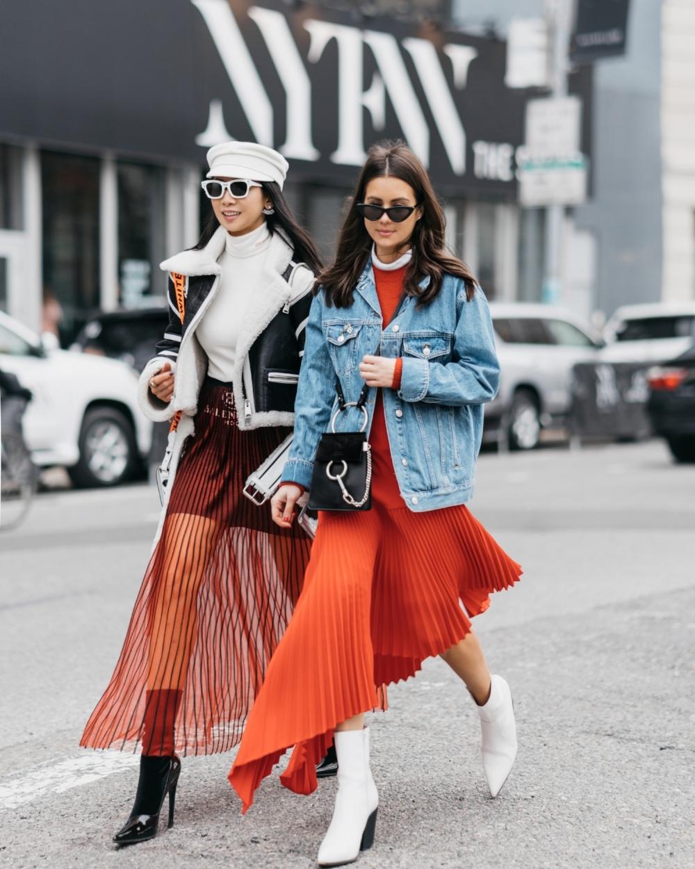 NYFW-FW18-Street-Style-pleated-skirts-Holly-Sarah
