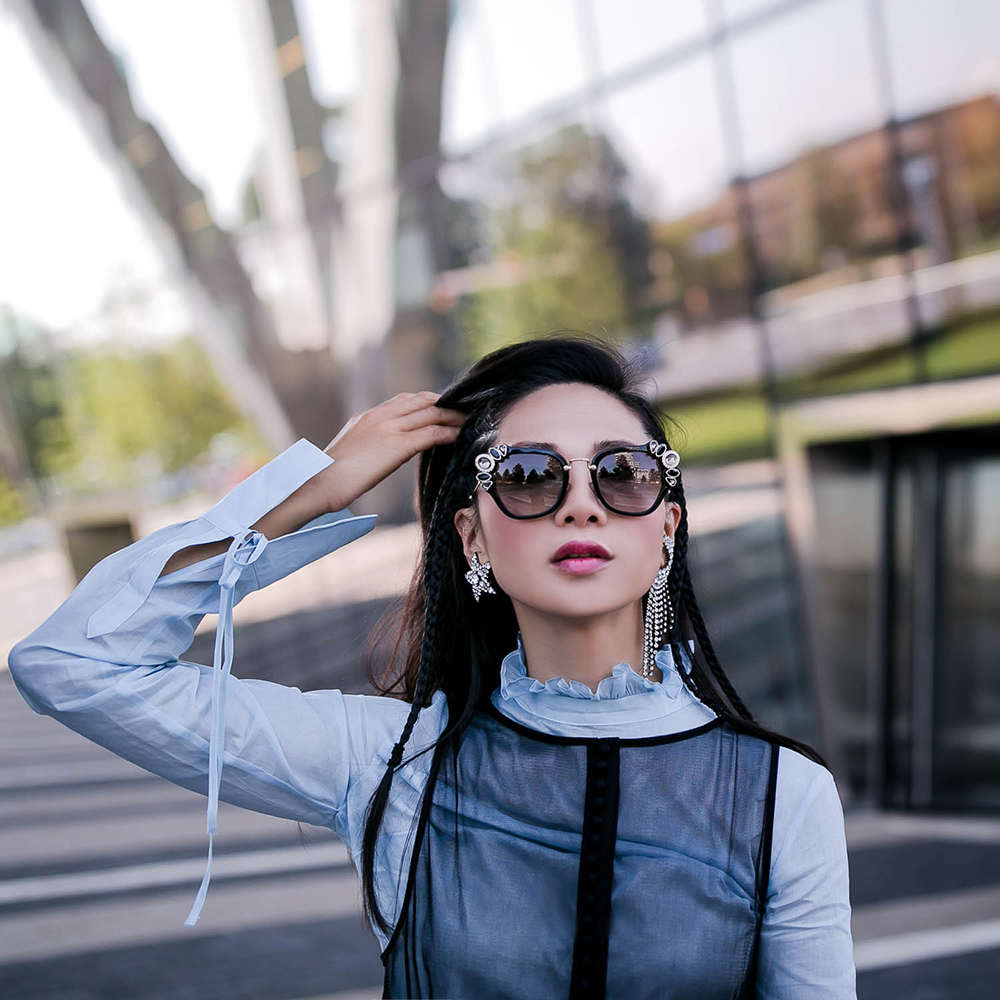 Helene-Zubeldioa-moon-Star-earrings-1.jpg