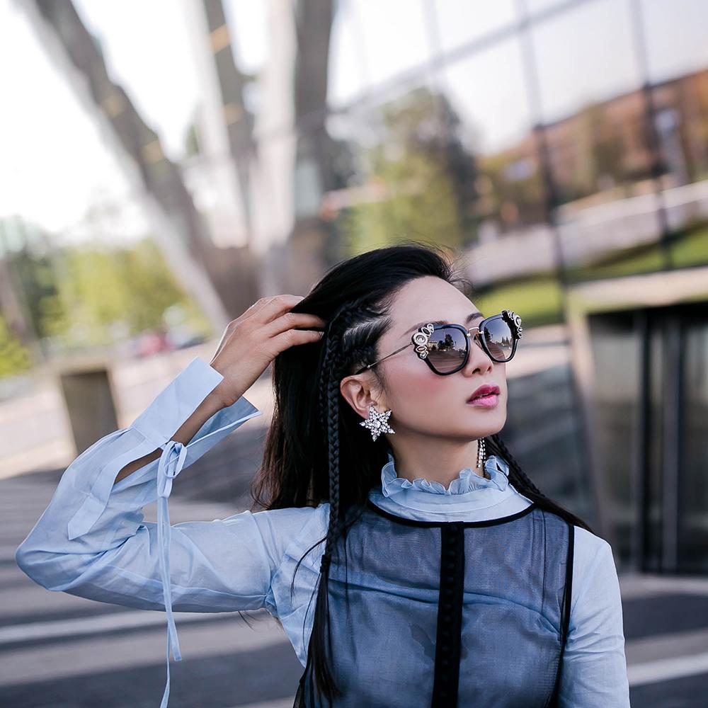 Helene-Zubeldioa-moon-Star-earrings-3.jpg