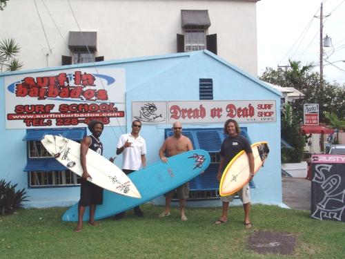 007_dread_or_dead_surf_shop.jpg