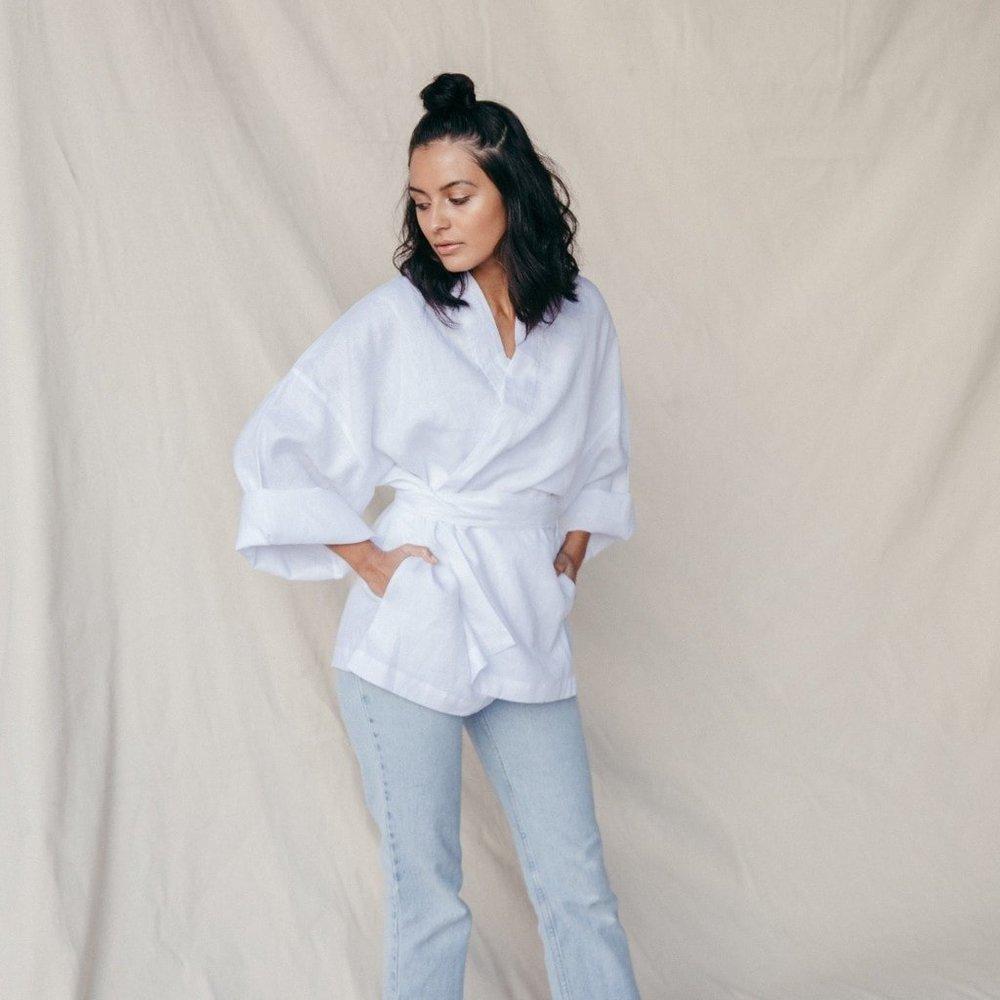 st-agni-simple-kimono-tie-jacket-white-29063682698_1024x1024.jpg