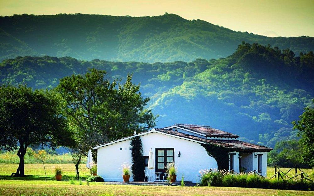 House-of-Jasmines-Casa-Junior-Suites_03-1200x747.jpg