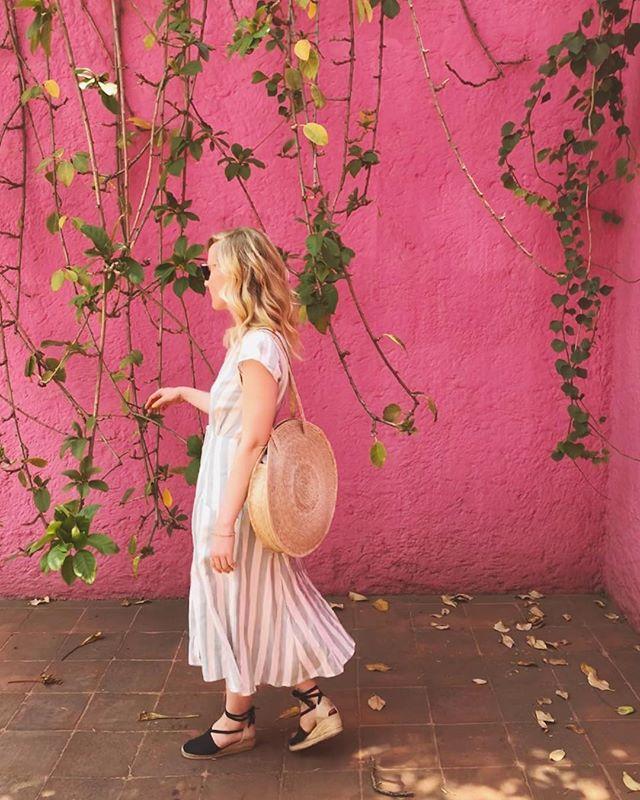 On Wednesday's we wear pink 👚💅🏻 . . . . . (Didn't get the memo)  #mexicocity #cdmx #pink #millenialpink #luisbarragan #luisbarraganhouse