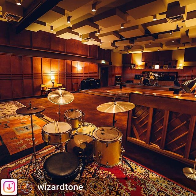 Looking forward to recording in this beautiful room! Adelaide, come and be a part of the action when we perform two intimate sets @wizardtone on September 22. Early session at 7pm, late session at 9pm. Limited seats available. Get your tickets now via the link in bio. Photo: @photo_man_dan #speedballtheband #wehavemovedtour #jazz #liverecording #adelaide #music
