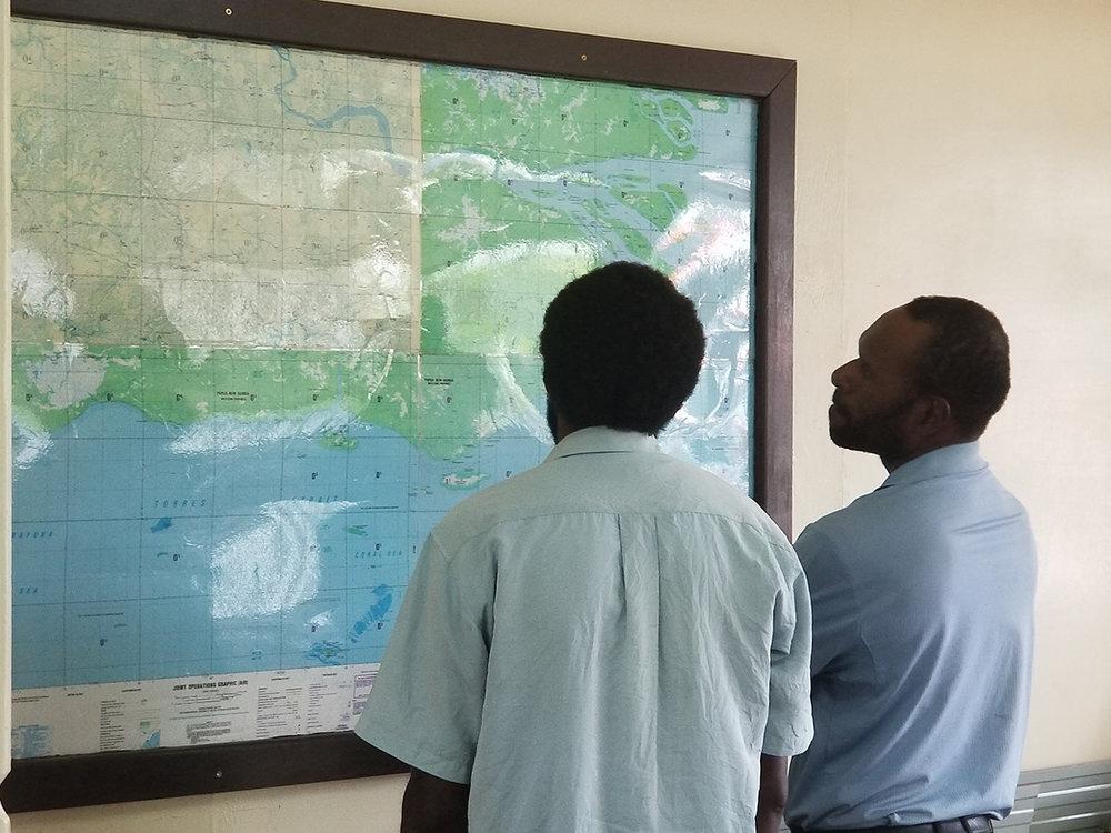 Kumbin and student planning3.jpg