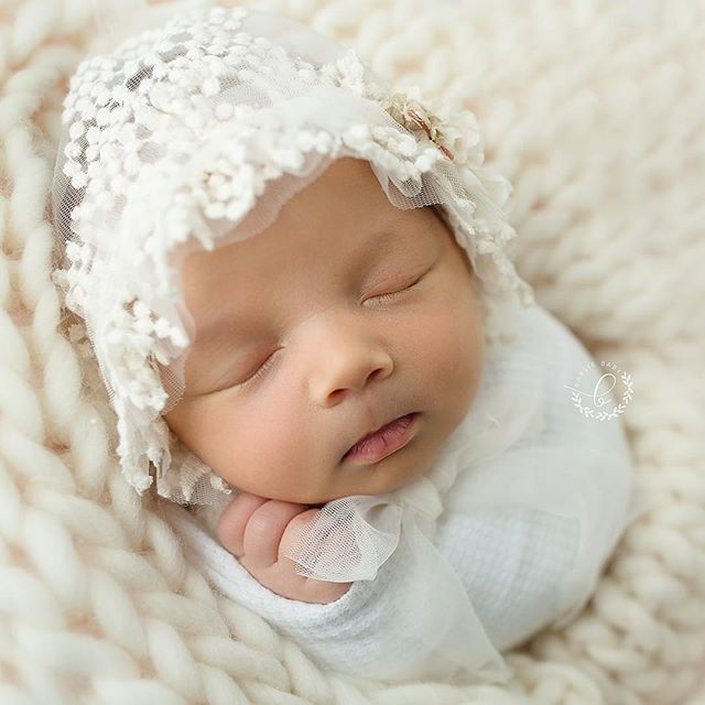 Those sweet cheeks! How precious is this little angel!? She did so well during her newborn session.