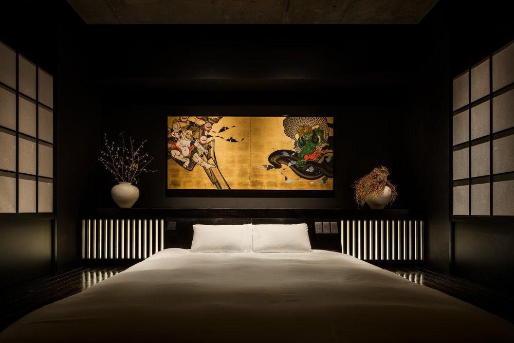 各部屋を作品空間として気鋭のアーティストが制作
