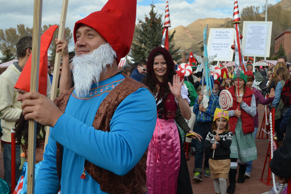 march-of-the-gnomes-parade.jpg