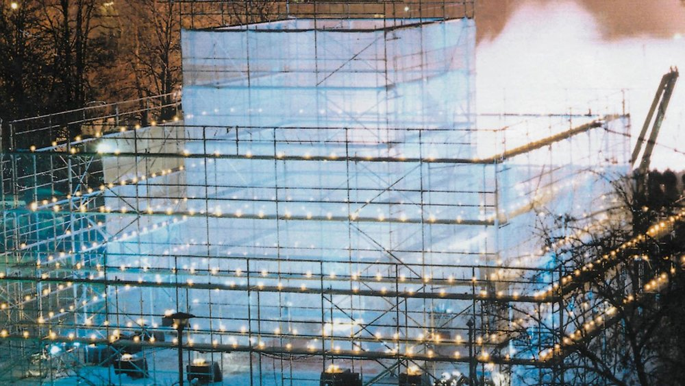 """Lud w lód - Hibernator 2000"" Akcja rytualna, Warszawa 1996 Fot. J.M Goliszewski"