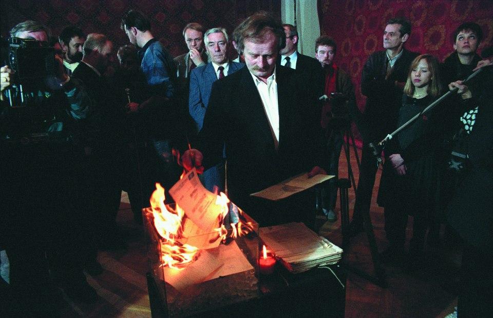 """""""Nalot dywanowy"""" Warszawa, 1992 Fot. Jaroslaw Maciej Goliszewski / AA / EPOKA"""