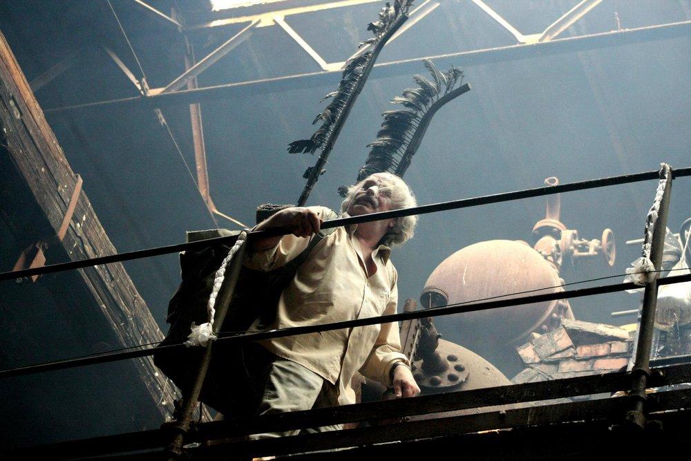 Sarkofag II, instalacja i performance - Powstanie sztuki Radom, 2008, Foto. Marcin Kucewicz