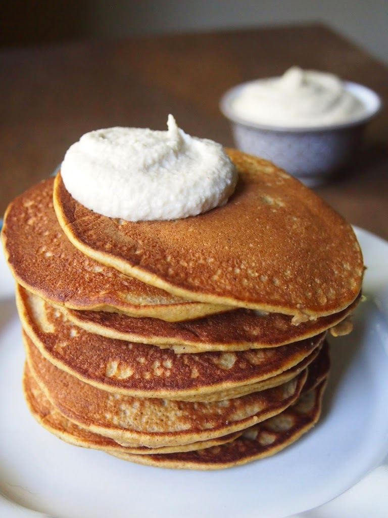 low sugar pumpkin pancake with maple cashew cream