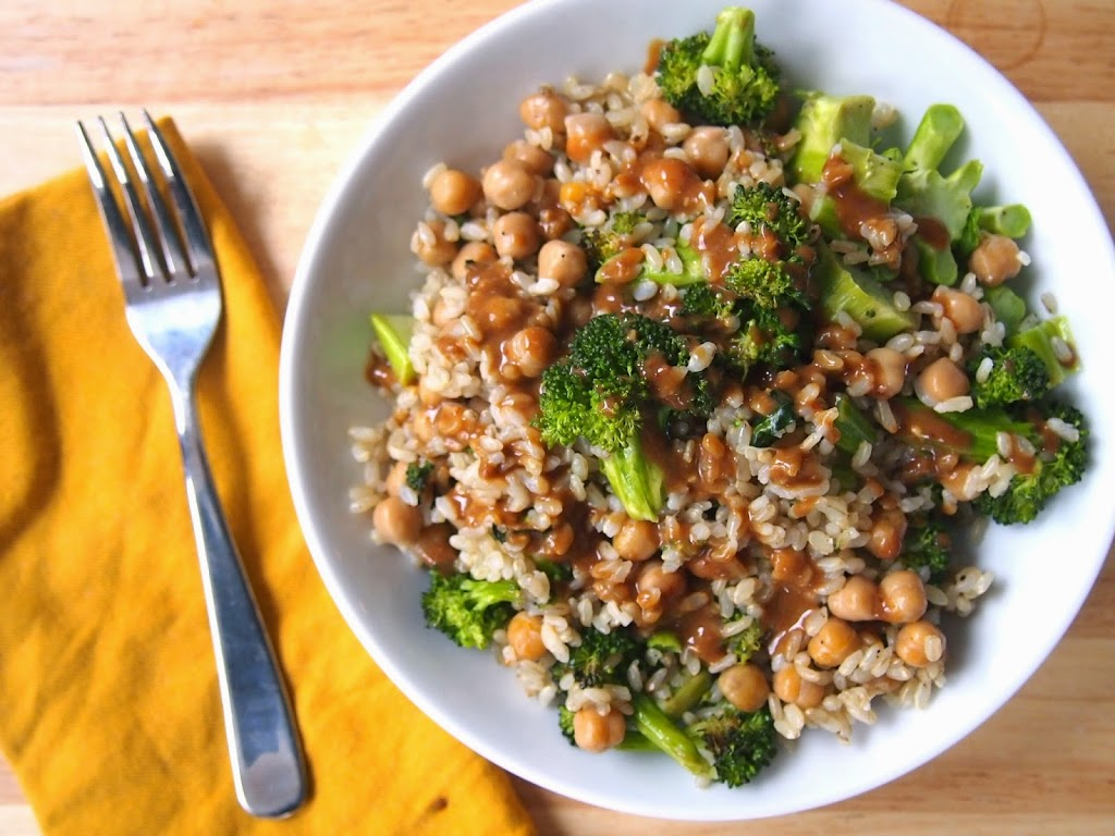 perfect grain bowl with broccoli chickpea