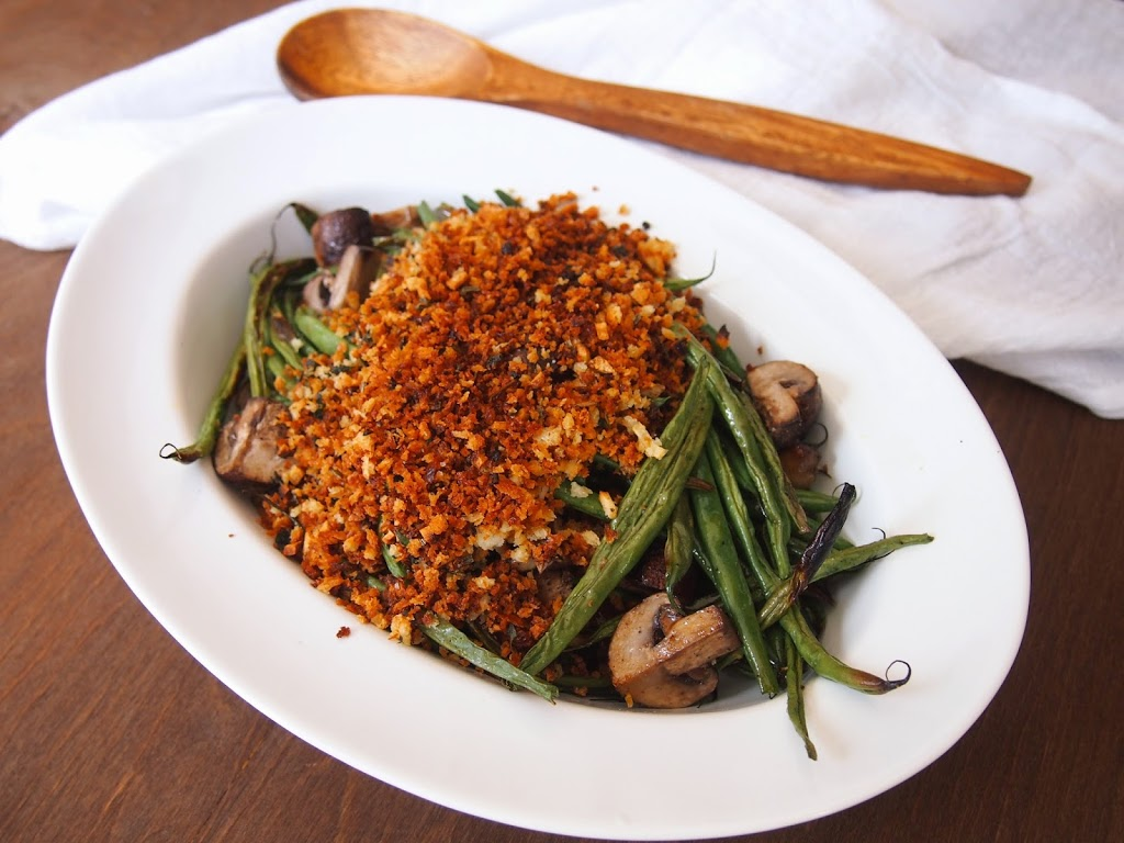 roast green beans and mushrooms with breadcrumbs