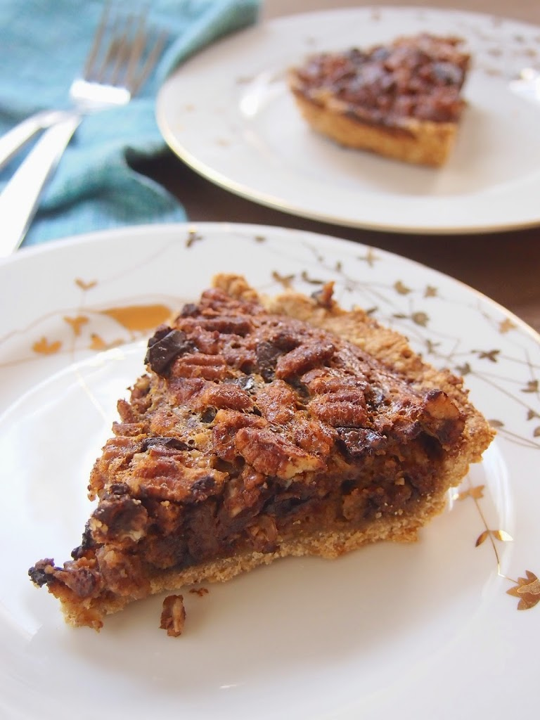 maple syrup pecan dark chocolate pie