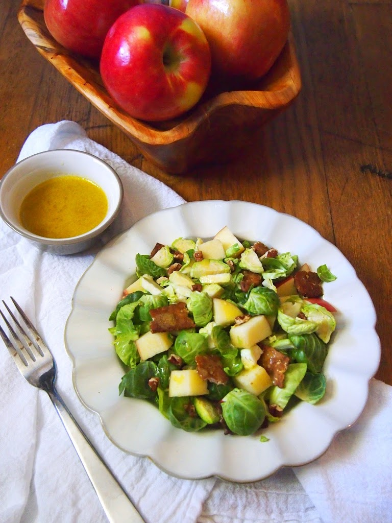 Vegan Salad with Brussels Sprouts, apples and Tempeh Bacon