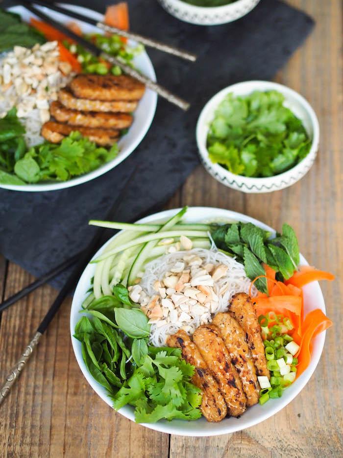 Vietnamese Rice Noodle Salad with Sesame Sriracha Tempeh