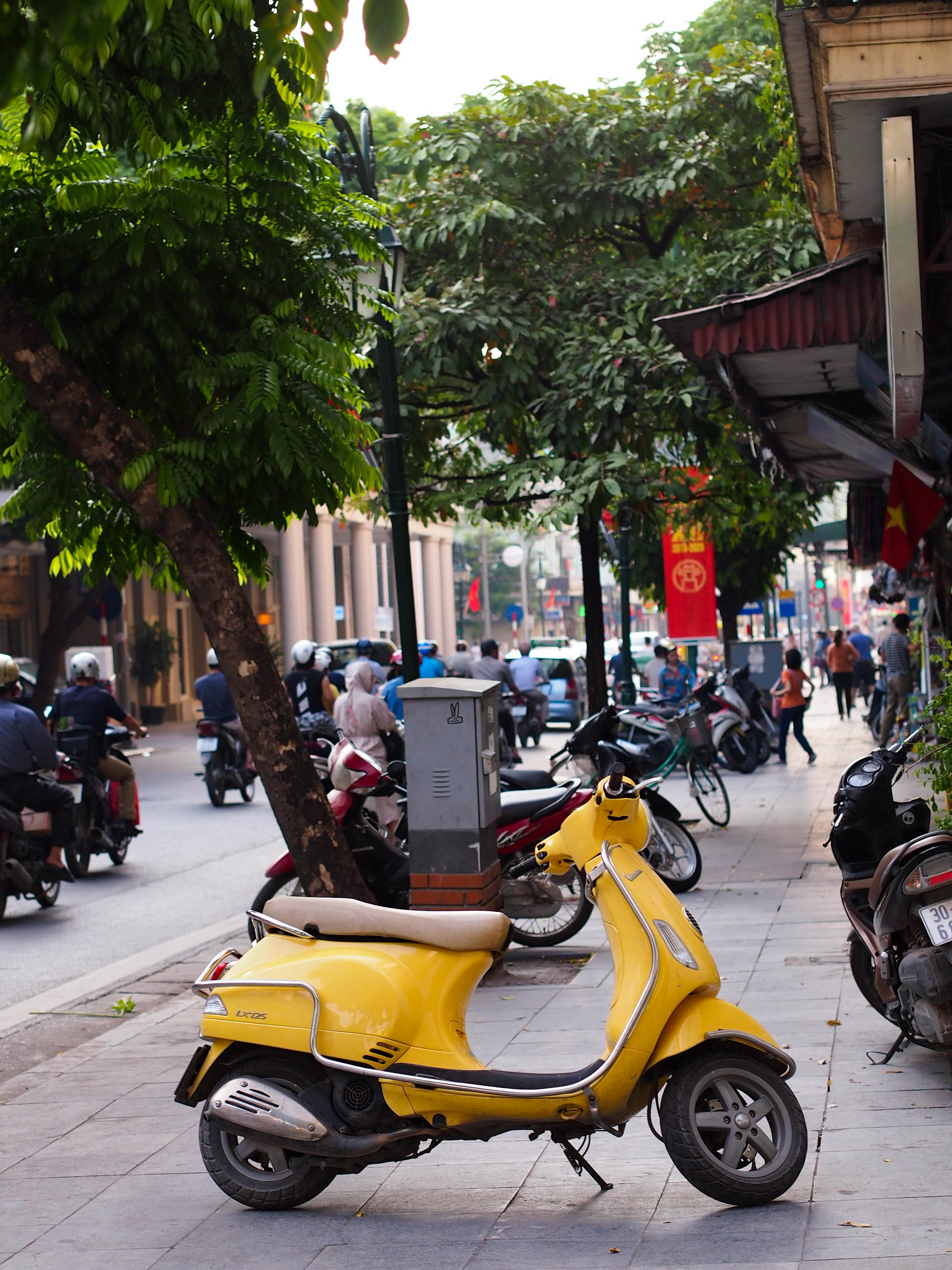 Scooters, scooters, everywhere. I still don't understand how people navigated the streets with so many scooters.