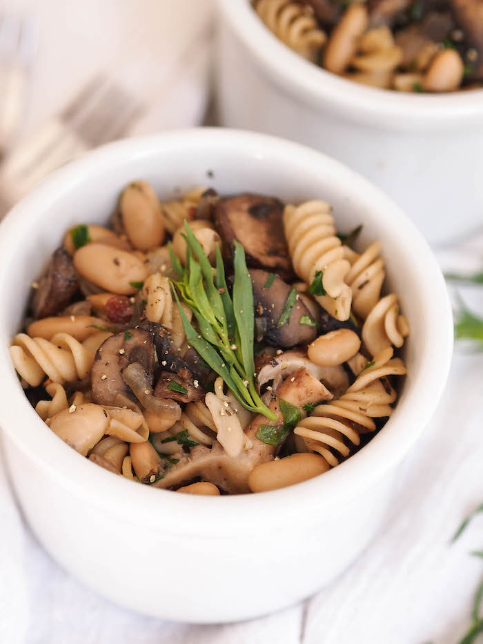 Even if you don't know how to cook, you can make this easy mushroom and white bean pasta!