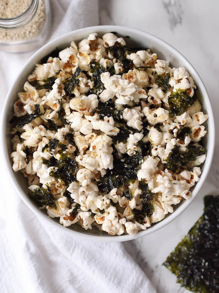 This easy nori popcorn is the perfect snack for movie night!