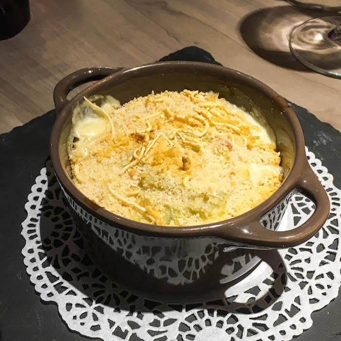 Scott's creamy scallop gratin appetizer