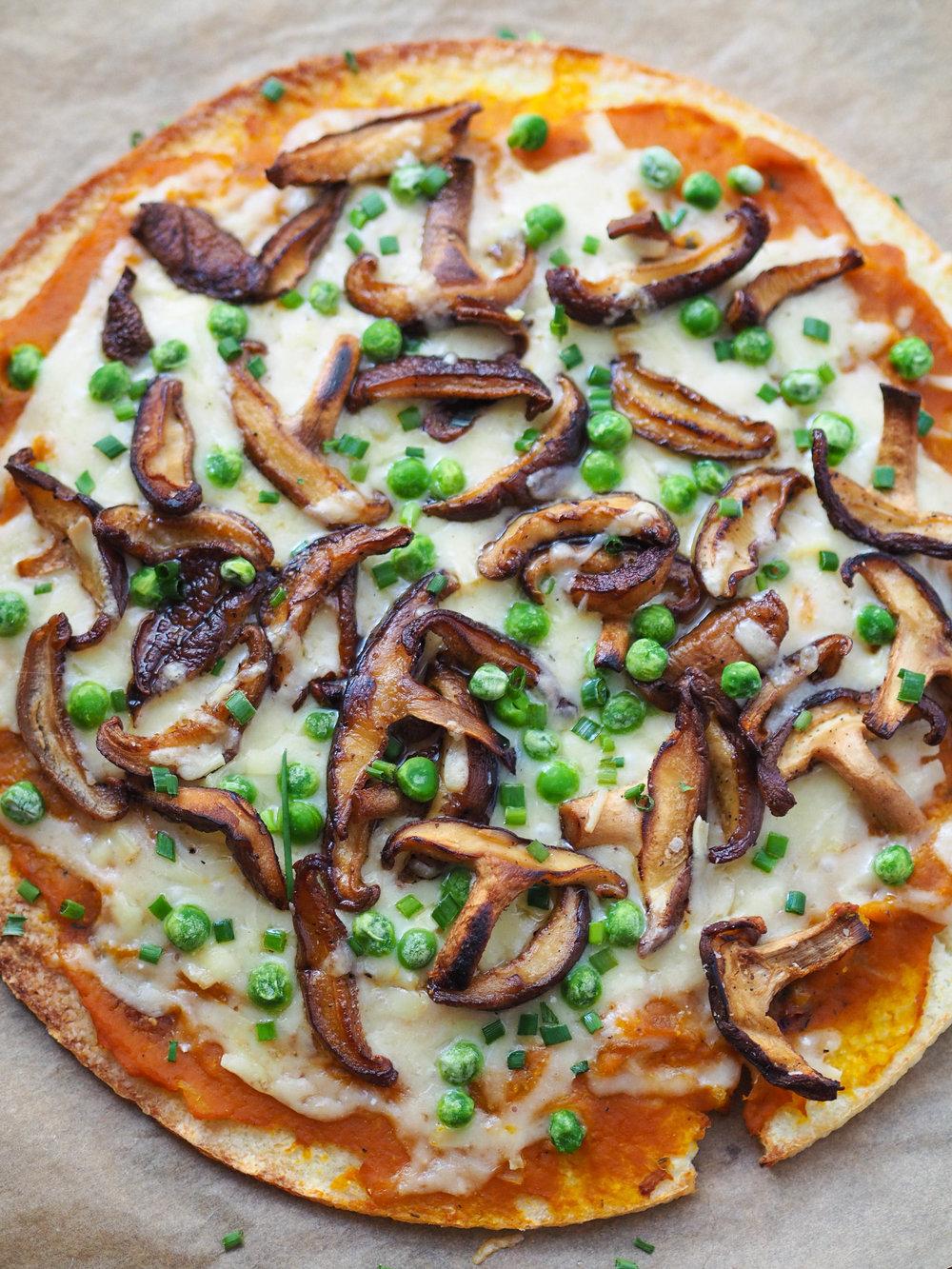 pumpkin-shiitake-gruyere-pizza-1.jpg