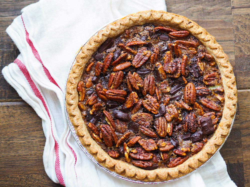low-sugar-dark-chocolate-pecan-pie-1.jpg
