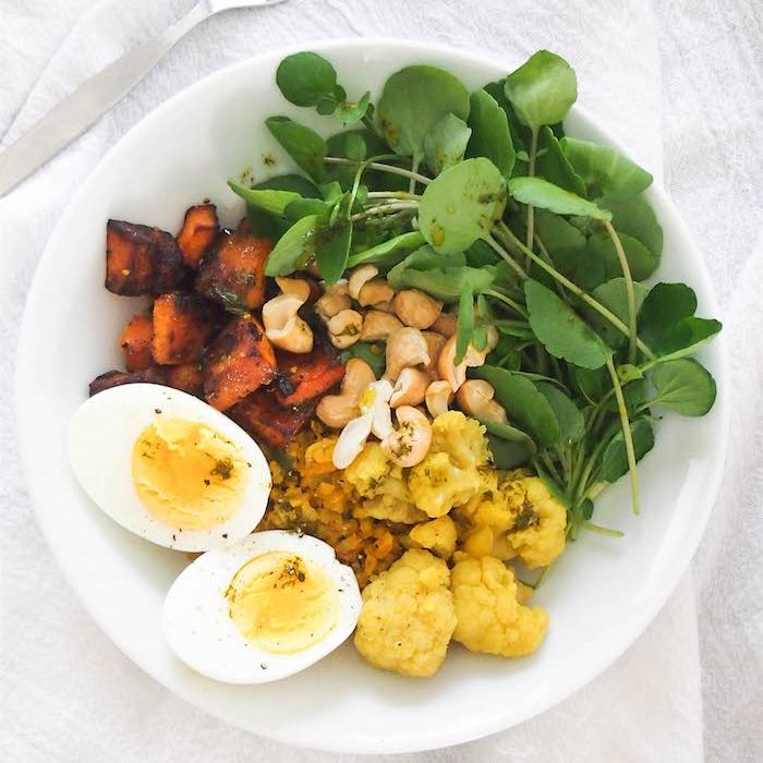 Turmeric Cauliflower Rice Bowl with Lemon-Dill Oil