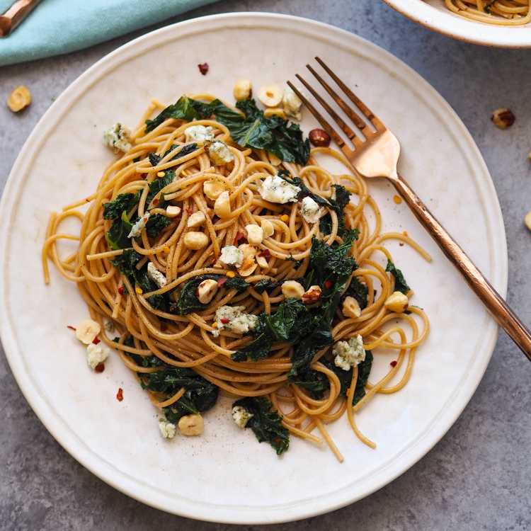 Spaghetti with Greens and Gorgonzola