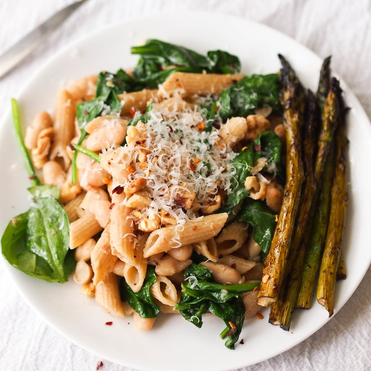 Easy White Bean and Garlic Oil Penne with Spinach