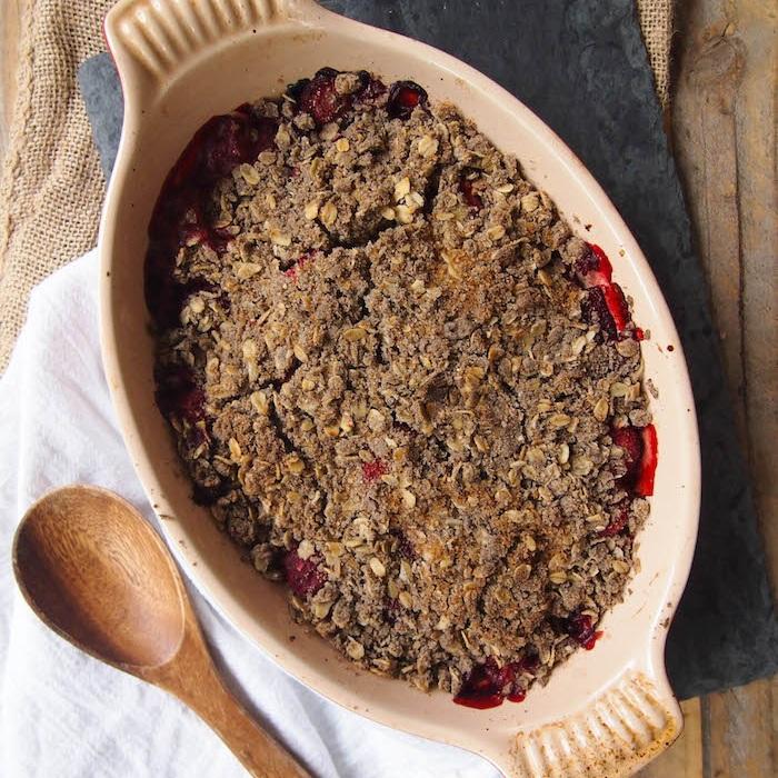 Strawberry Rhubarb Breakfast Crumble