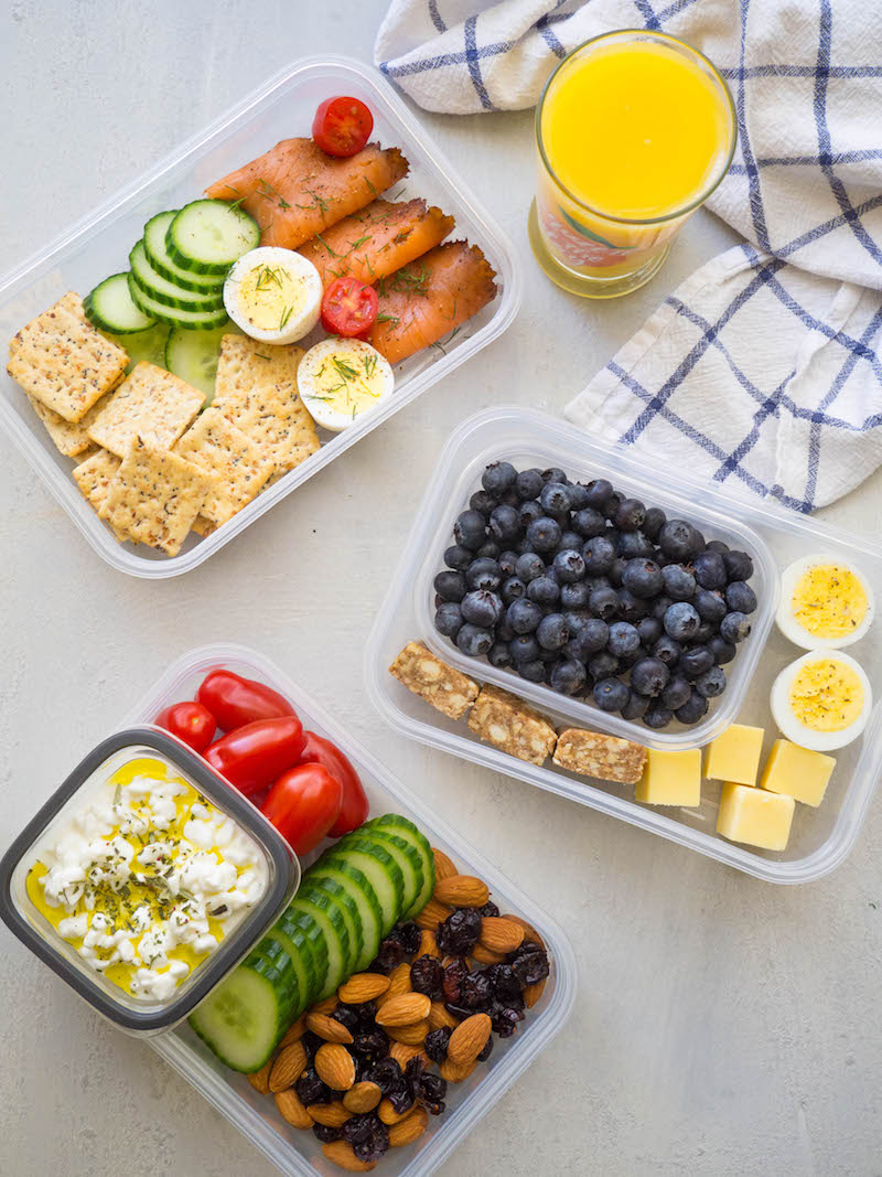 Make these three easy breakfast snack plates for a grab and go breakfast! #easyrecipe #snackplate #healthy #breakfast