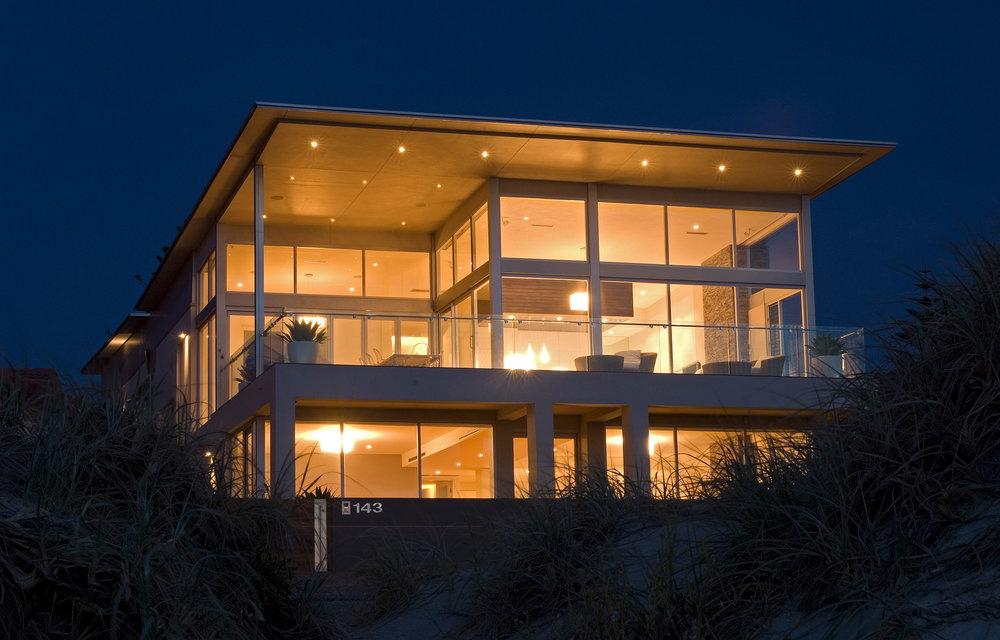 enoki-interior-beachhouse-1.jpg
