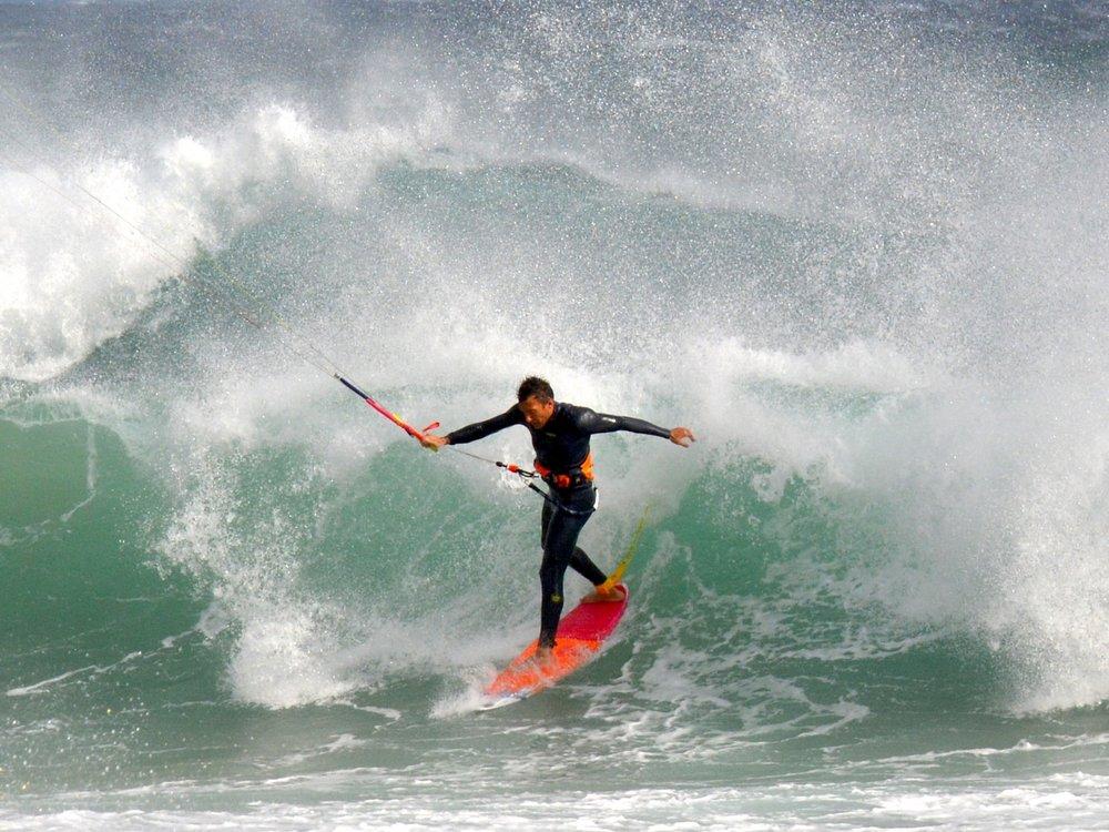 WAVE CLINICS - Clinic per principianti ed esperti nella disciplina Waveriding