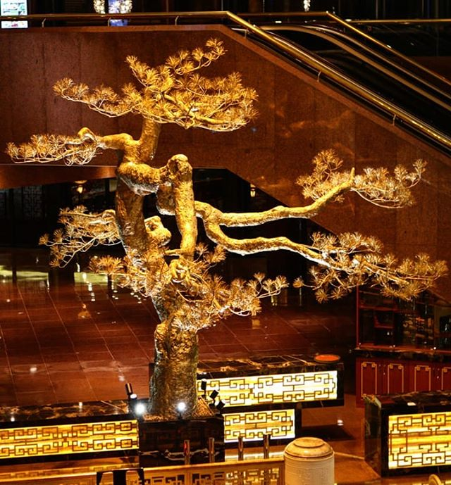 If you've been to the CAPITAL HOTEL in #Beijing lately you may have seen this 2.8m tall gold plated tree by our #Shanghai  based artist #ZhongWang .  Zhong has been focused on public art over the past few years and we love his latest installations.  For more information on any of his latest available works do not hesitate to get in touch! #publicart #China #contemporaryartist #goldplated #artist #ArtBasel #investmentart #usd #sculpture