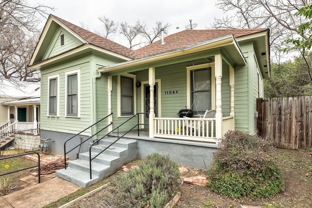 LISTED FOR $949,000