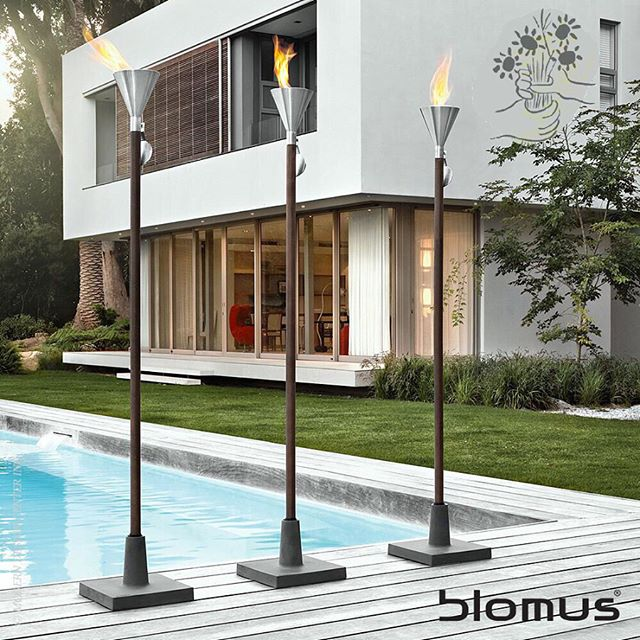Looking for that perfect compliment to complete your #pool, #garden, #balcony, or #terrace? These Blomus Stainless steel garden torches are the perfect combination of elegance and simplicity. Light up the night this Memorial Day while framing your home and garden. Available at the UEC concept design store #hamptons #summer #longisland #bridgehampton #unlimitedearthcare #blomus #germanmade #quality #torch #stainlesssteel
