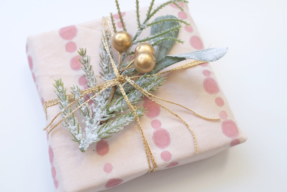 Gift_wrapping_07.JPG