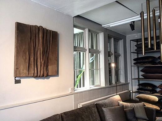Channels No. 1 hangng in Rue Verte, Copenhagen