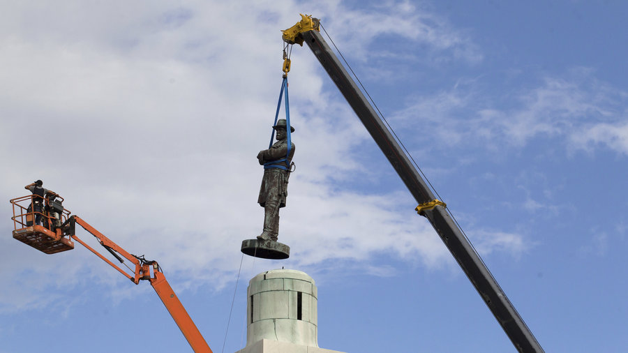 City of New Orleans removing their Robert E. Lee statue