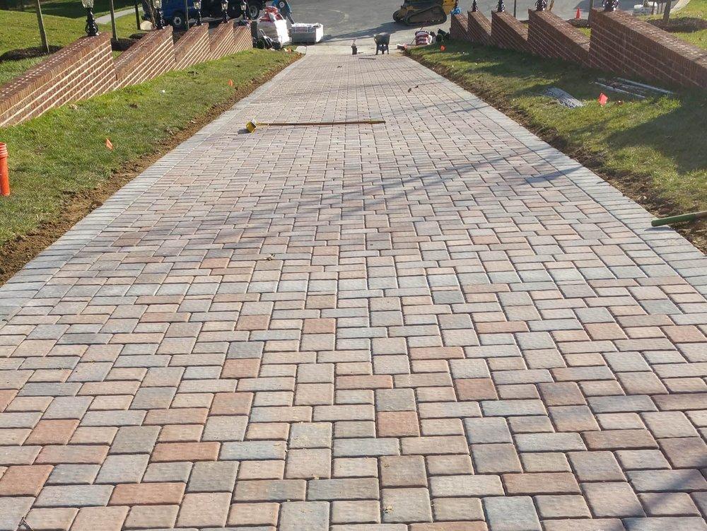 J-Gonzales-Construction-Paver-Driveway-17.jpg