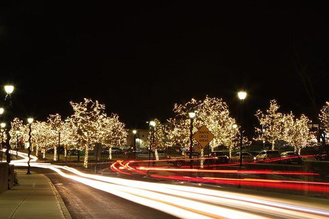 Holiday lights at Evergreen Walk #holidaylights #tistheseason #christmas #christmaslights #southwindsorct #connecticut #evergreenwalk #lighttrails #longexposure #longexposure_shots #canonusa #capture #instagood @getoutsidect @getoutsidect @shopevergreenwalk