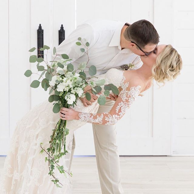 That we-just-got-married feeling 😍 Aren't Aaron & Kelsey the sweetest?! Venue - @thenestatruthfarms Planning & Design - @naomiledfordphotography & @sabelmoments Bridal Gown - @penceandpanache Make up - @madambradley Hair - @taylor_l_hen Jewelry - @kendrascott, #ksfortworth Florals - Pneuma Creations Bride - @kelseyfaye93
