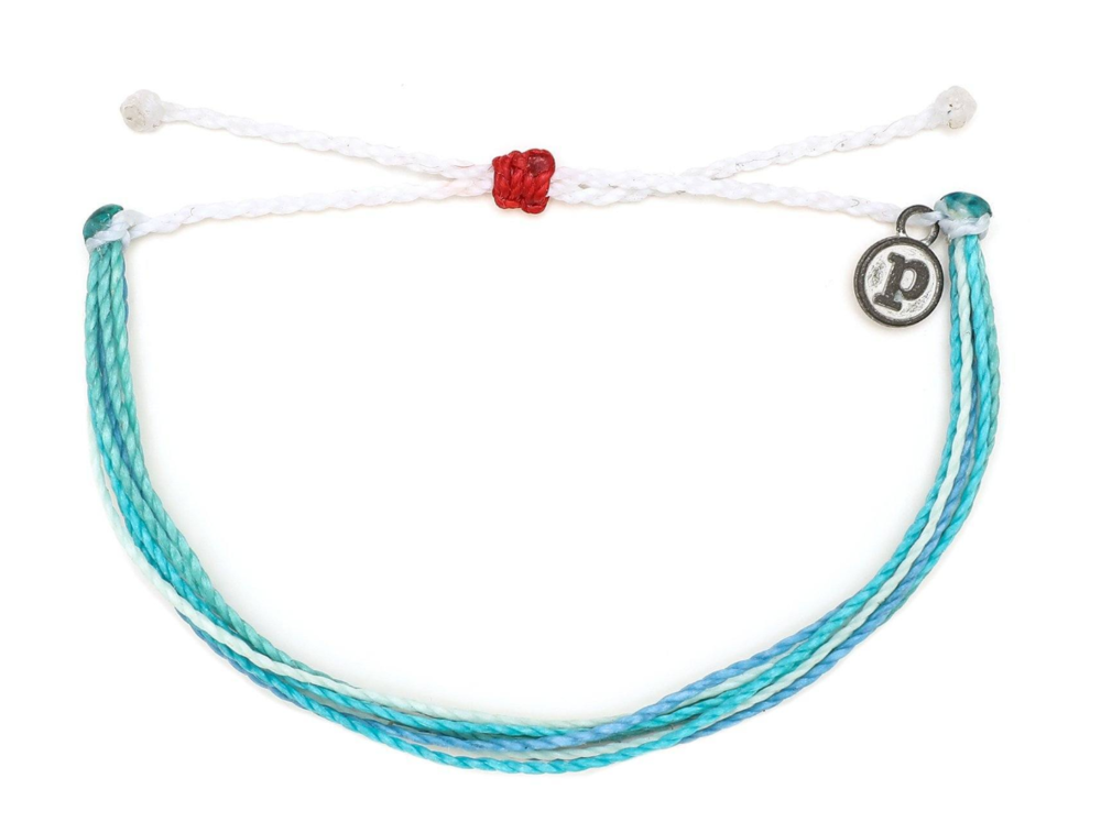 Use code LESLIEDAWE20 for 20% off this Pura Vida Bracelet