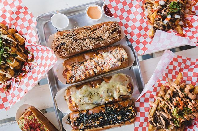 Find your favorite Spicy Dog today at The Silo Indoor from 6-10pm! 🌭